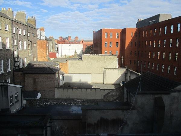 1.ホテルの窓から.jpg