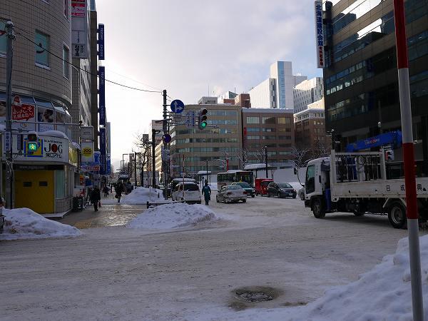 10.市内は圧雪状態.jpg