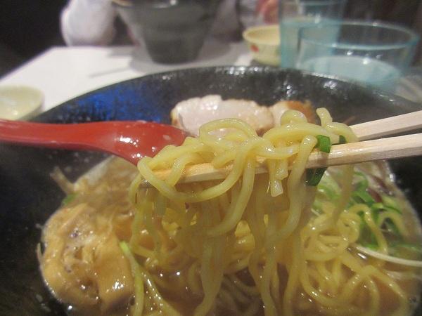 12.中細麺.jpg