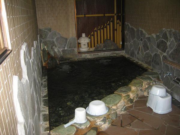 15.岩風呂.jpg