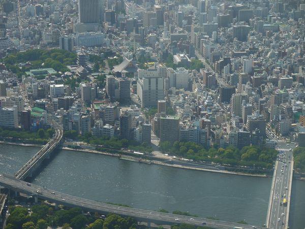 15.左上は浅草寺だろう.jpg