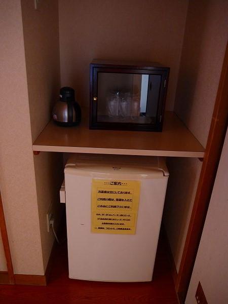 16.とグラス、冷水、冷蔵庫.jpg