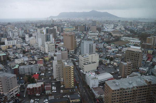 18.向こうに函館山.jpg