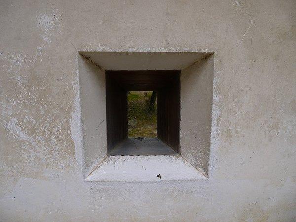 19.壁には銃眼.jpg