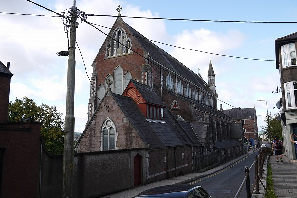 2.古そうな教会.jpg