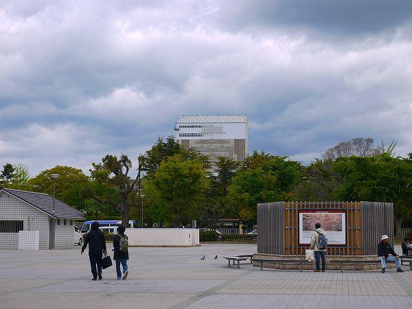 2.城前の広場.jpg