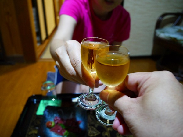 2.梅酒で乾杯.jpg
