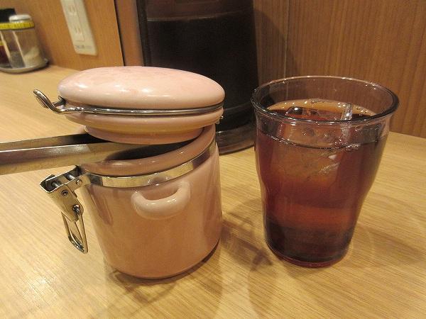 2.黒烏龍茶とキムチ.jpg