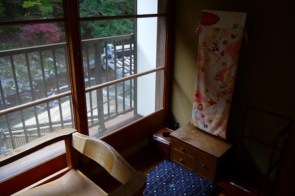 20.向かいの鏡が日本的.jpg