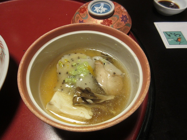 20.餅のほか、鶏肉、豆腐、エノキ、舞茸など.jpg