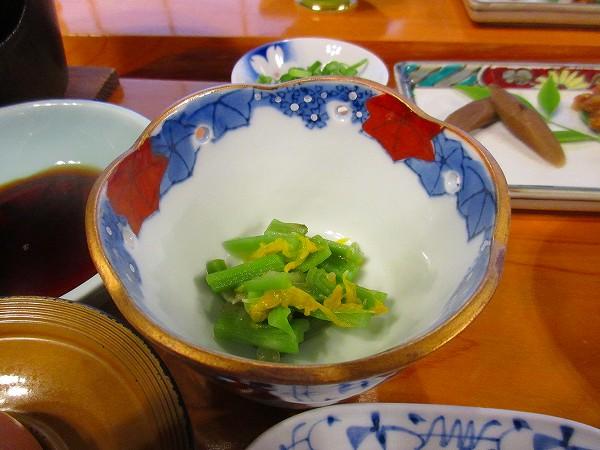 23.たぶんイタドリの煮物.jpg