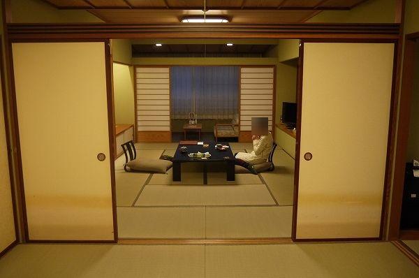 24.1室目8畳から奥の12畳を.jpg