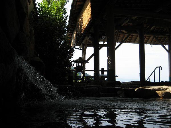 26.手前の露天風呂.jpg