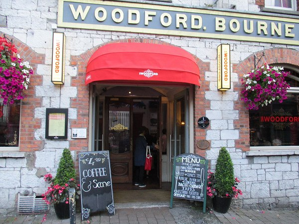 28.WOODFORD BOURNE.jpg