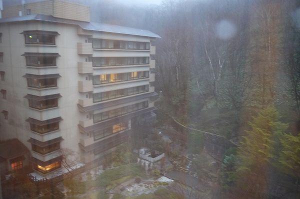 34.外は雨.jpg