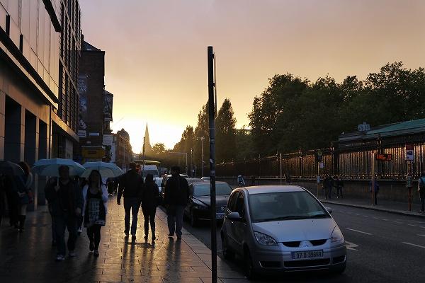 35.夕暮れるダブリンの街.jpg