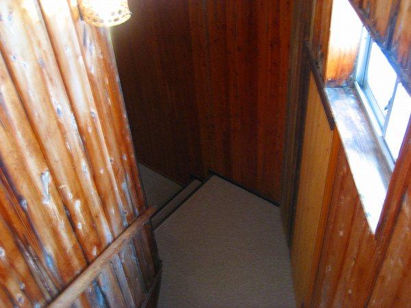 4.階段を下って.jpg
