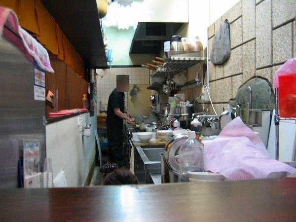 5.厨房では.jpg