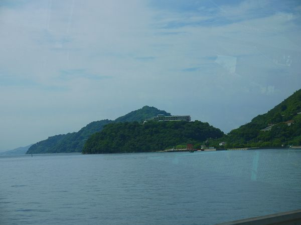 6.海にせり出した丘の上.jpg