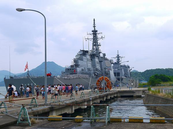 6.海上自衛隊の桟橋が開放されていた.jpg