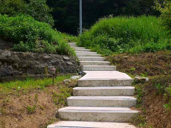 7.こんな階段を.jpg