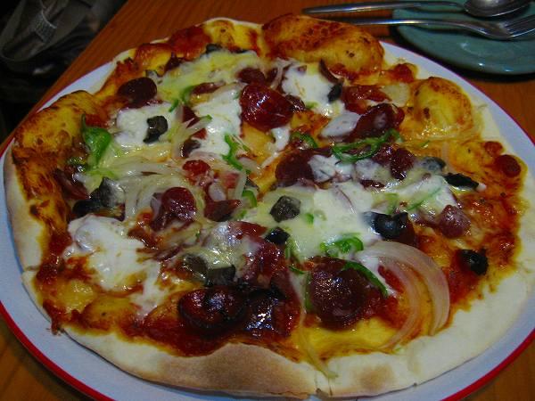 7.サラミのピザ.jpg