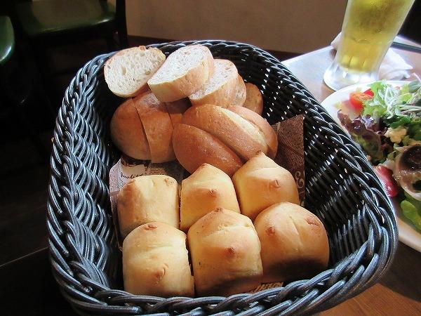 7.パンは食べ放題.jpg