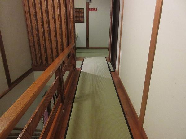 8.畳敷きの廊下.jpg