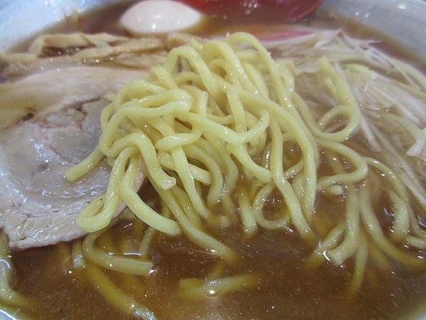 9.太麺は平打ち.jpg