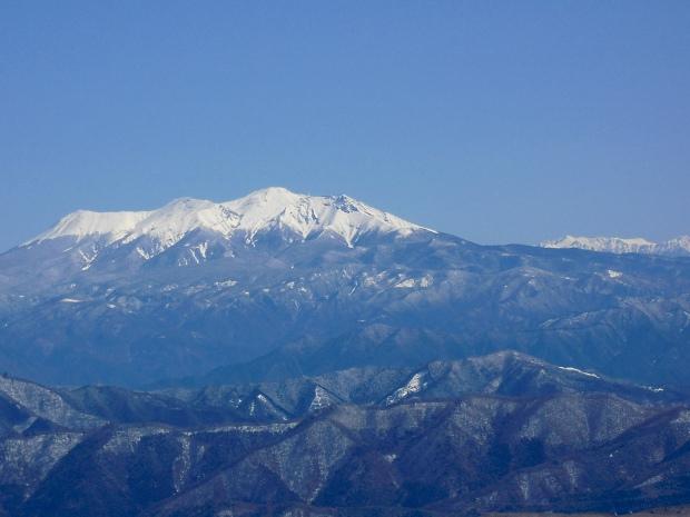 御岳の向うに南ア.jpg