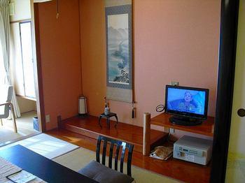 09.テレビと床.jpg