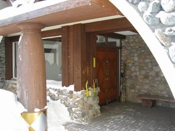 2-6.入口ドア.jpg