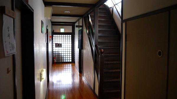 10.廊下を歩む.jpg