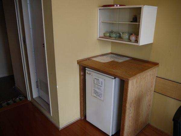 13.冷蔵庫の左はトイレ.jpg