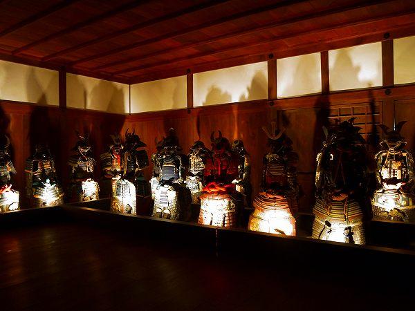 14.リの一渡櫓の甲冑.jpg