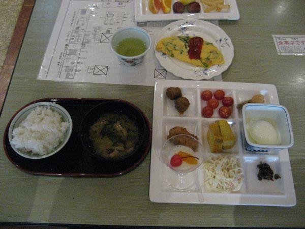 16.朝食はバイキング.jpg