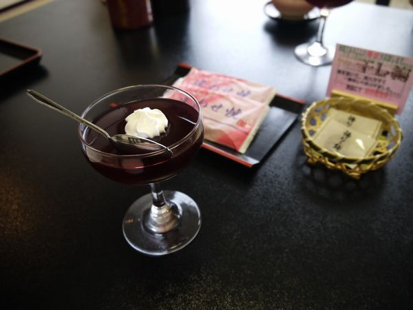 18.お茶菓子とブドウゼリー.jpg