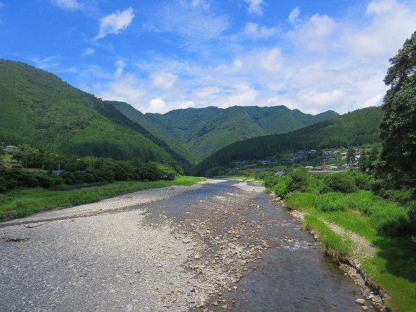 19.日置川上流を望む.jpg