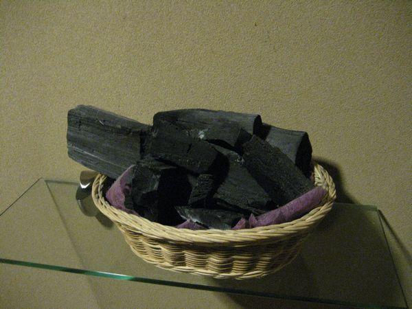 2.消臭用の炭.jpg