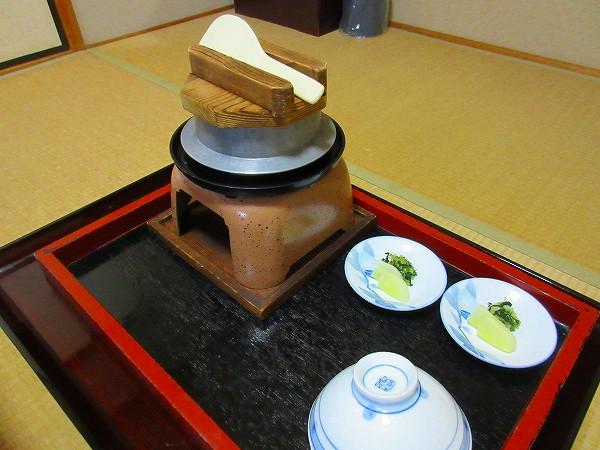 20.別注_熊野キジの釜飯.jpg