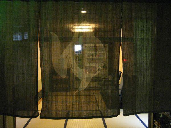 3.大きな暖簾をくぐって.jpg