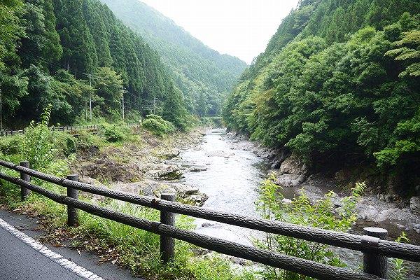 3.宿へ向かう県道にて.jpg