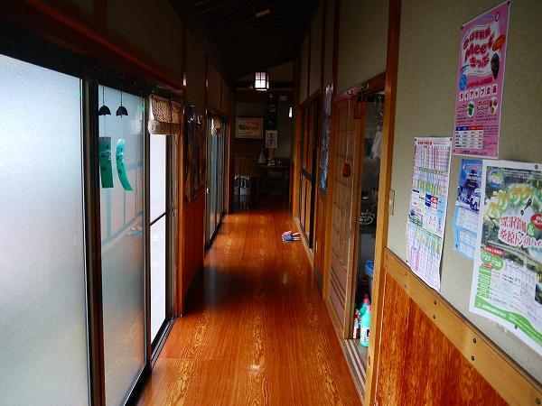 3.廊下を進み.jpg