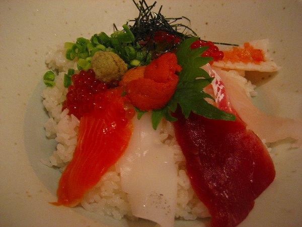 5.妻の海鮮丼.jpg