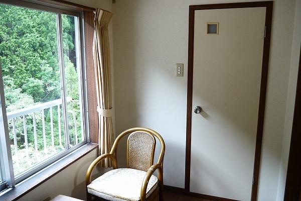 9.その向かいがトイレ.jpg