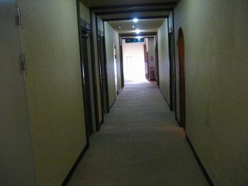 8.2F廊下.jpg
