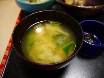 朝‐7.具だくさんのお味噌汁.jpg